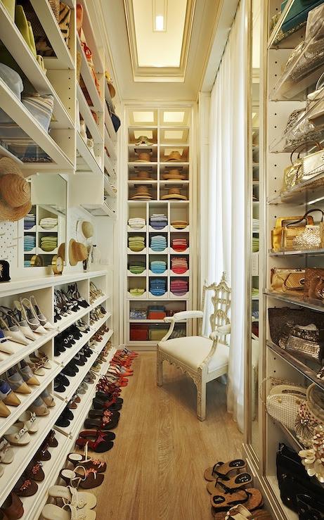 Suzie: Melanie Fascitelli Gorgeous walk-in closet design with built-ins, shoe racks, sweater ...