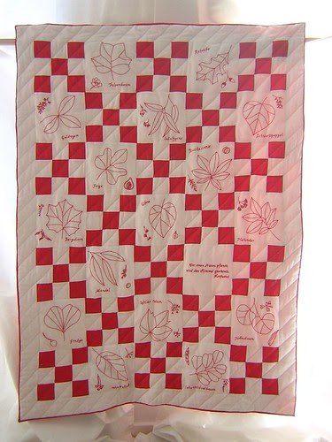 Ninepatch Leafs - Finished - Redwork Quilt