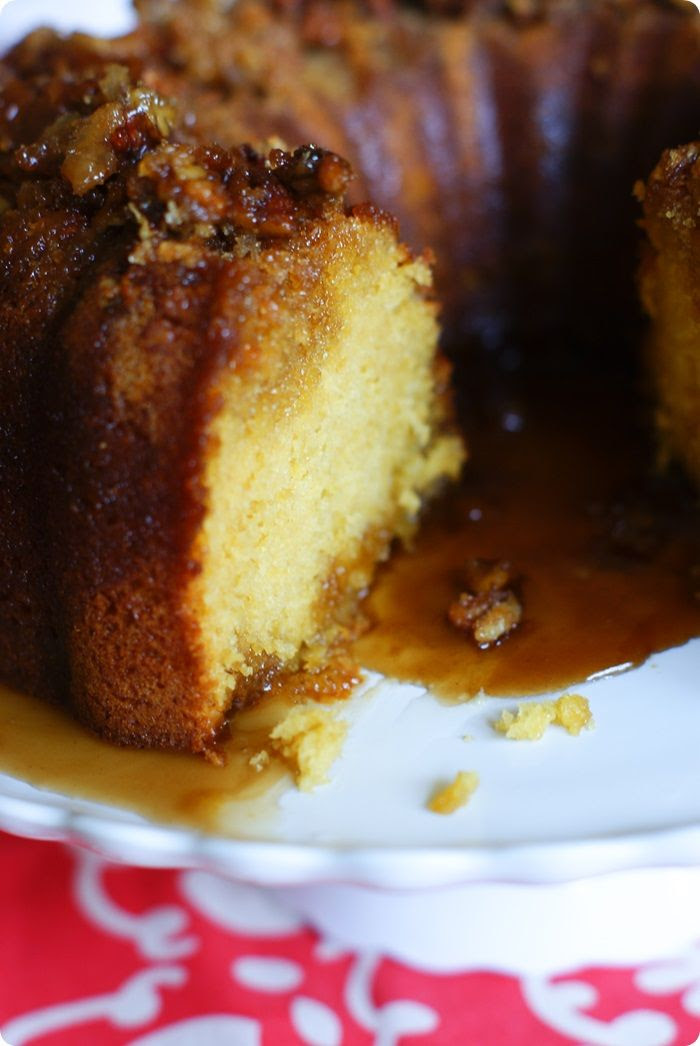 one of the BEST cakes I've ever eaten. ::: kahlua (or rum) pudding cake from The Pioneer Woman Cooks: A Year of Holidays