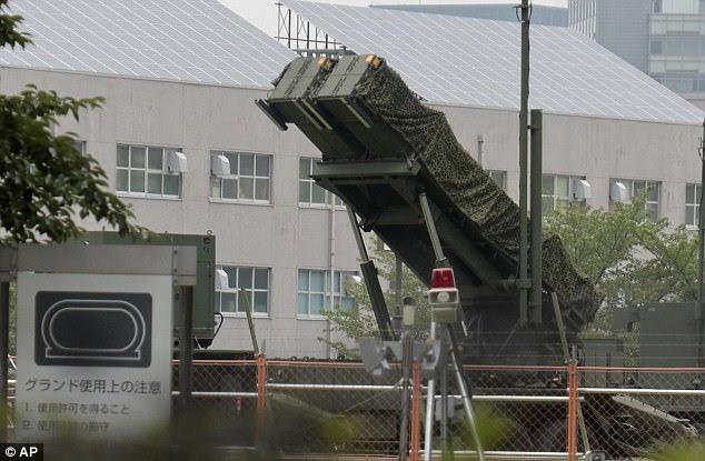 ΕΚΤΑΚΤΟ – Πρωτοφανείς εικόνες: Patriot PAC-3 αναπτύσσονται στη καρδιά του Τόκιο -Τρέχουν για καταφύγια οι Ιάπωνες – Κωδικός «πυρηνικός κεραυνός» από Β.Κορέα - Εικόνα1