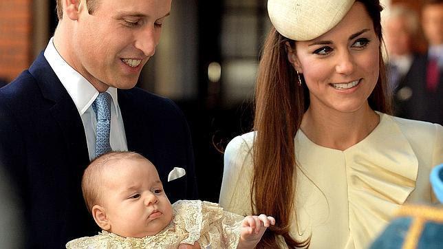Un bautizo íntimo con solo 22 invitados para el Príncipe Jorge de Cambridge