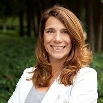 Robyn Weiss Headshot