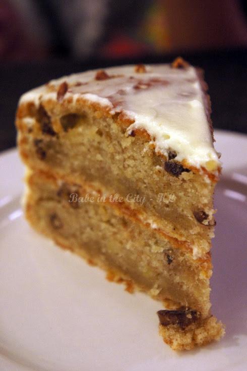 Hummingbird Cake Slice (RM11.90)