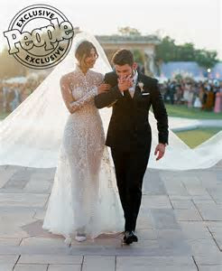 See Priyanka Chopra's Wedding Dress   PEOPLE.com