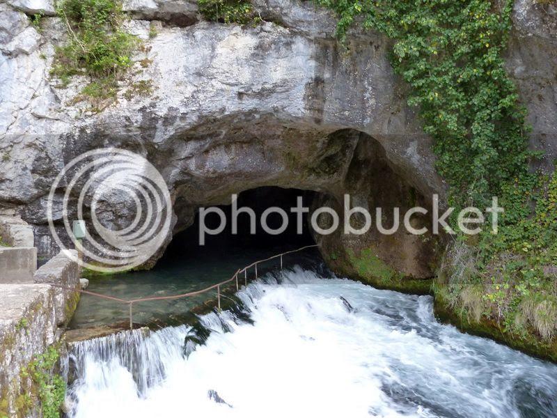 photo P1070461_iacuteicircacircucirceacuteethagraveccediligravearingeth.jpg