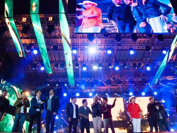 Novos sertanejos abrem programação de shows no palco principal de Barretos (Foto: Érico Andrade/G1)