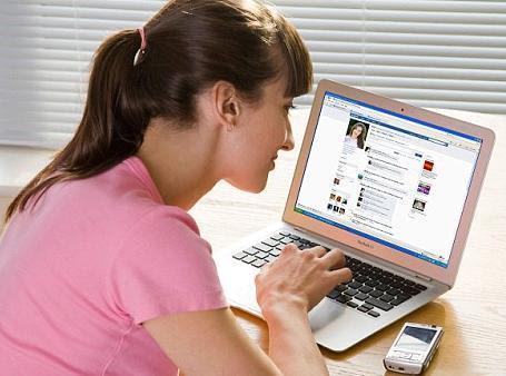 Aktivitas FB dapat menjadi kecanduan.
