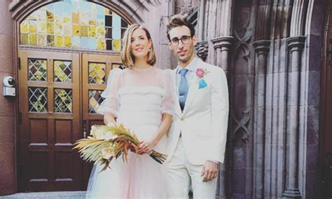 Model Agyness Deyn marries Joel McAndrew in beautiful