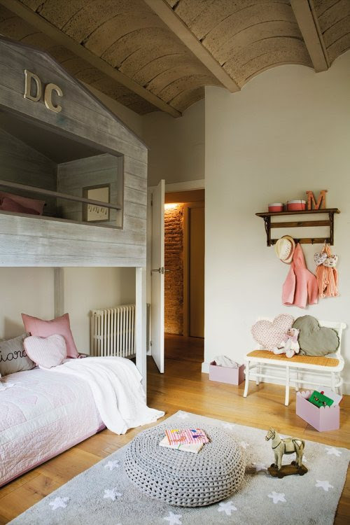 myidealhome:  gorgeous girly room (via ElMueble)