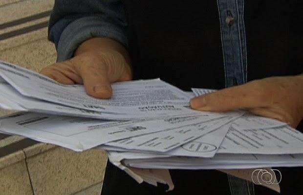 Alguns dos moradores chegaram a receber oito multas, em Goiânia, Goiás (Foto: Reprodução/TV Anhanguera)