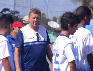 Raul Plassmann - coordenador das bases do Cruzeiro (Foto: Reprodução/Inter TV Cabugi)