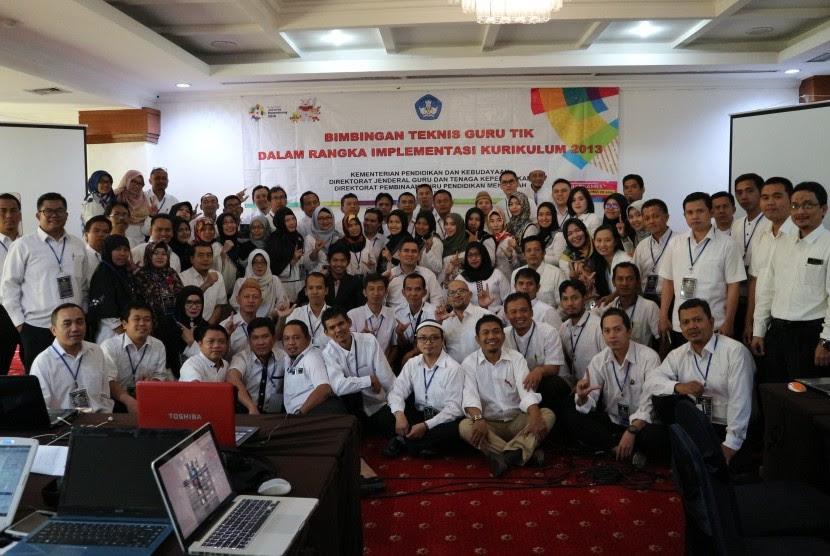 Suasana bimbingan teknis guru TIK nasional.