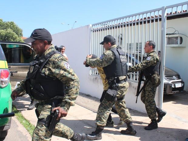 Policial e agente penitenciário são presos suspeitos de homicídio no PI (Foto: Catarina Costa/G1)