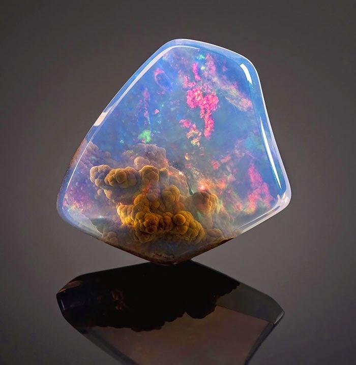 Anda mungkin pecinta watu mulia dan akik Batu Mulia dan Mineral nan Indah di Dunia