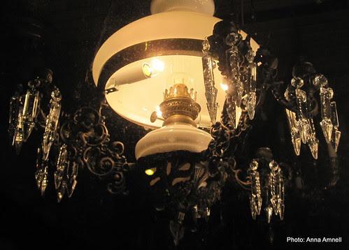 Kaunis vanha lamppu by Anna Amnell