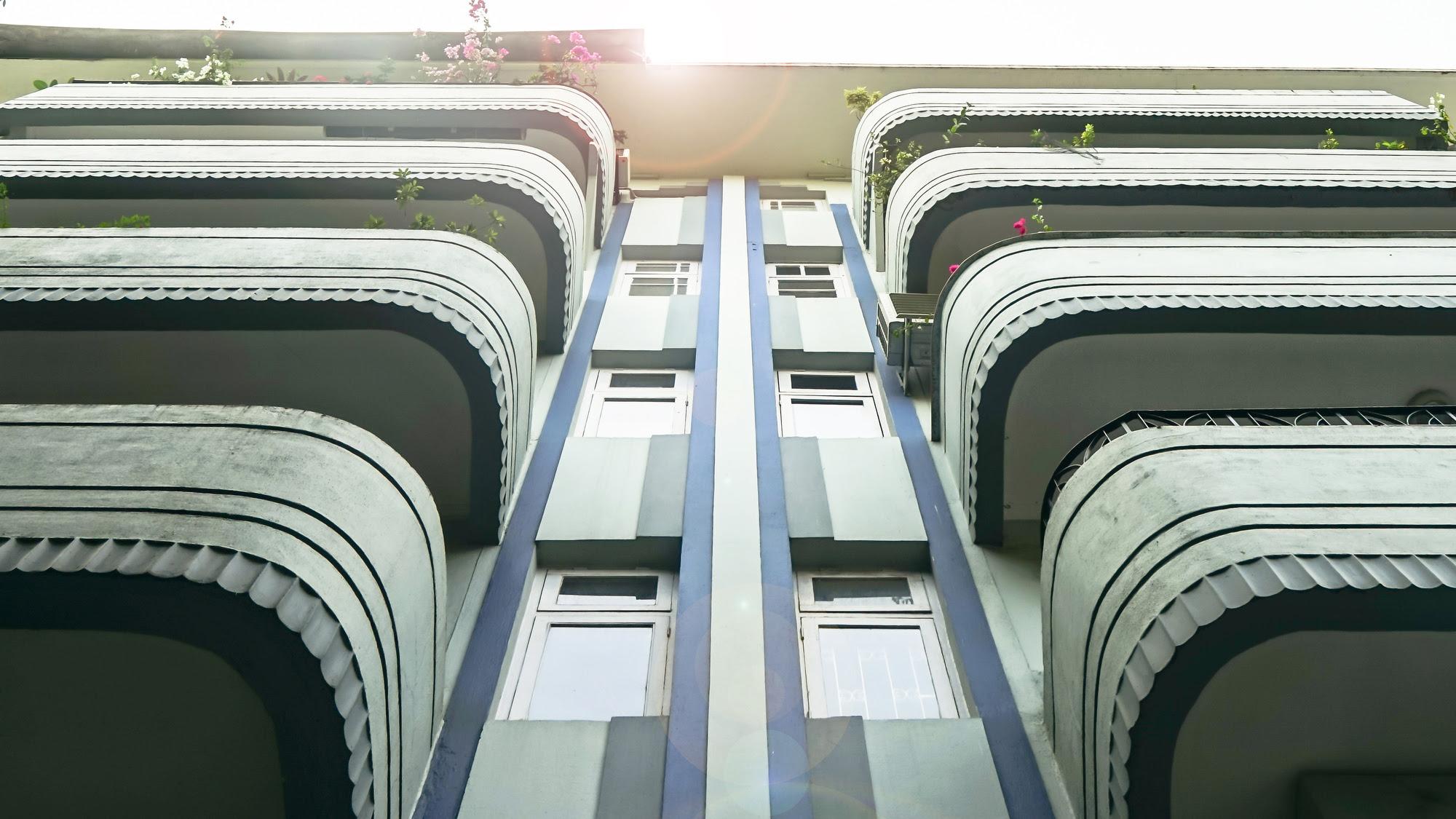 Mumbai S Art Deco Buildings Survive Against The Odds Cnn Style