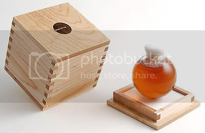 BUBLE 80 with solid maple finger-joint cube