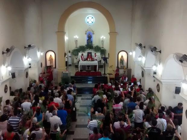 Missa de Ramos em Petrolina (Foto: Rodrigo Araújo / TV Grande Rio)