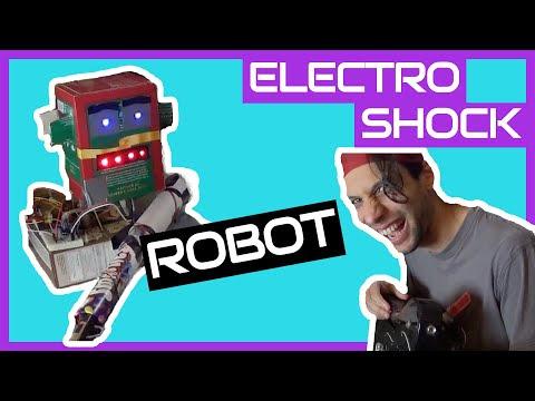 YANLIŞ NOTAYA BASINCA ŞOK VEREN ROBOT (Video)