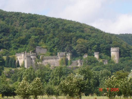 File:Gwrych Castle.jpg