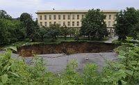 Un nuevo cráter en el túnel Blanka, foto: ČTK