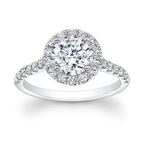 Ladies 18kt White Gold Diamond Engagement Ring With Round