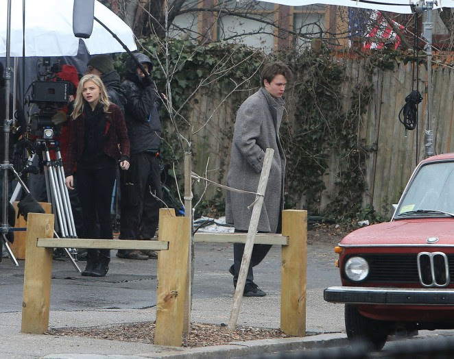 Chloe Moretz: Set of November Criminals -11