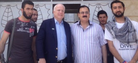 McCain_and_Syrian_rebels-550x251