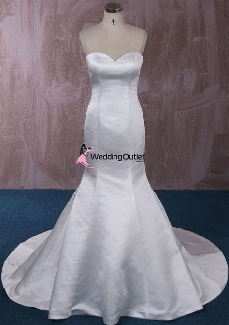 London Simple Mermaid Wedding Gown   WeddingOutlet.com.au