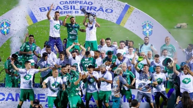 Chapecoense defender Alan Ruschel lifts trophy in Brazil, 4 years after surviving team plane crash https://ift.tt/3j9IUhl