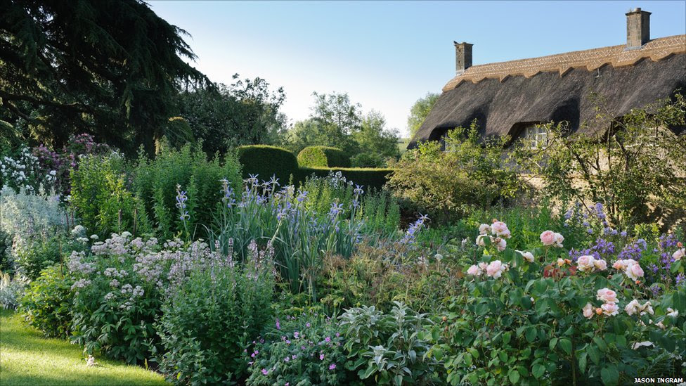 Hidcote Manor Gardens on Modern Country Style