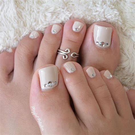 18 Eye Catching Toe Nail Art Ideas You Must Try   Toe nail