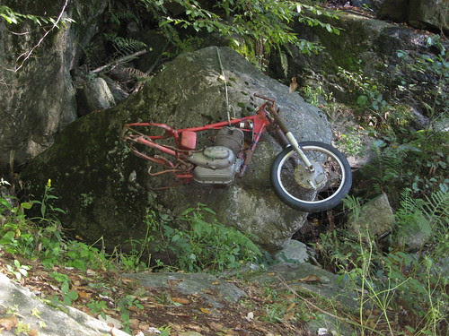 Una moto...