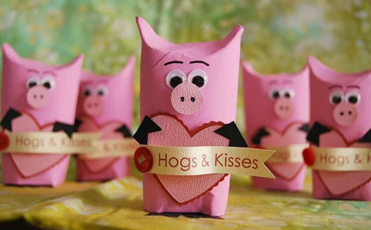 Pig valentines! Click through for 35 amazing, over-the-top Valentine's Day ideas, including Valentine's crafts, Valentine's recipes, and Valentine's decorations, and more!