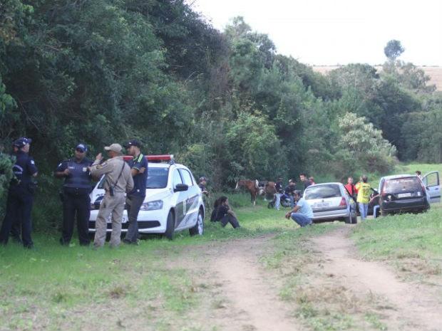 Buscas pelo casal desaparecido em Ponta Grossa continuam nesta quinta-feira (21) (Foto: Clebert Gustavo)