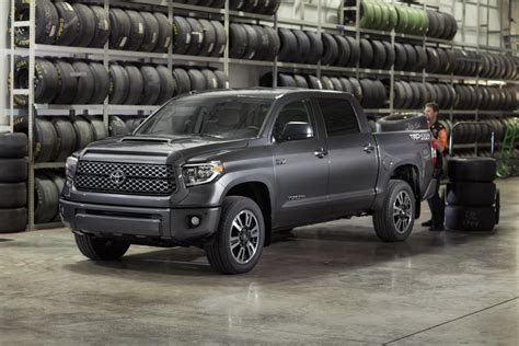 restyled  toyota tundra sequoia gain  trd sport