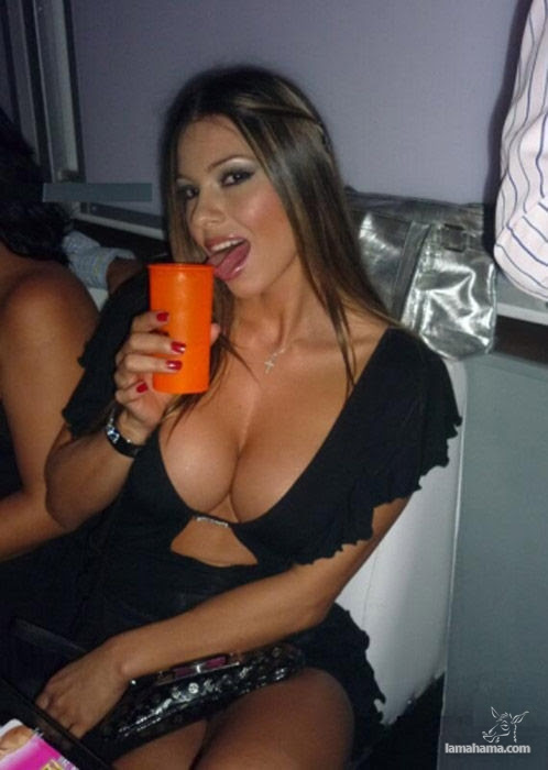 Girls with big tits IV - Pictures nr 34