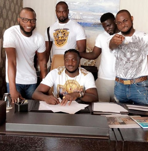 Davido Signs Peruzzi to His DMW Record Label (Photo)