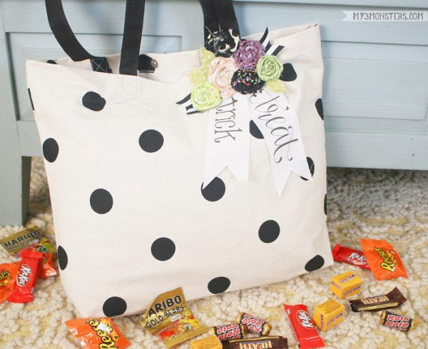 No-Sew-Trick-or-Treat-Bag-DIY-Lolly Jane