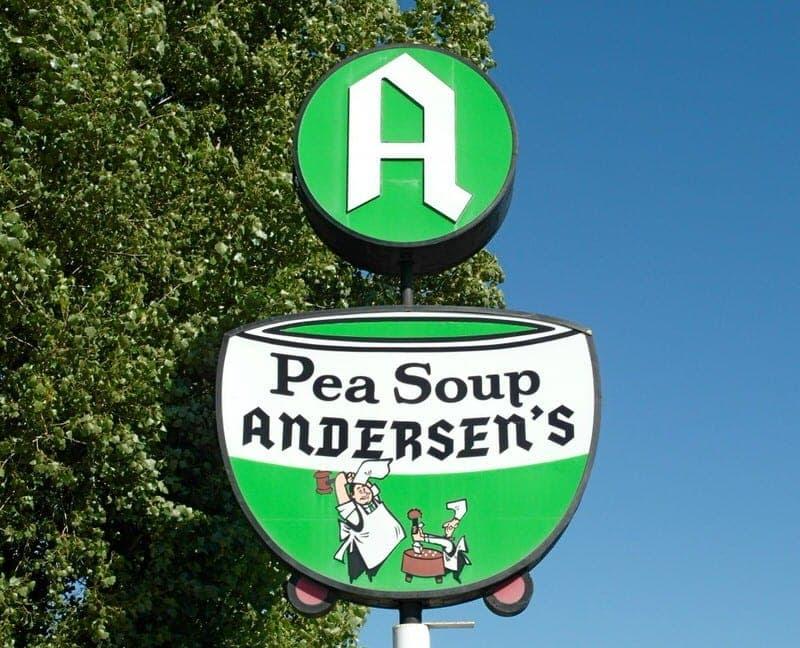http://independenttravelcats.com/wp-content/uploads/2014/03/Pea-soup-andersens-sign1-1024x829.jpg