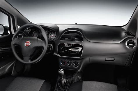 fiat punto young price