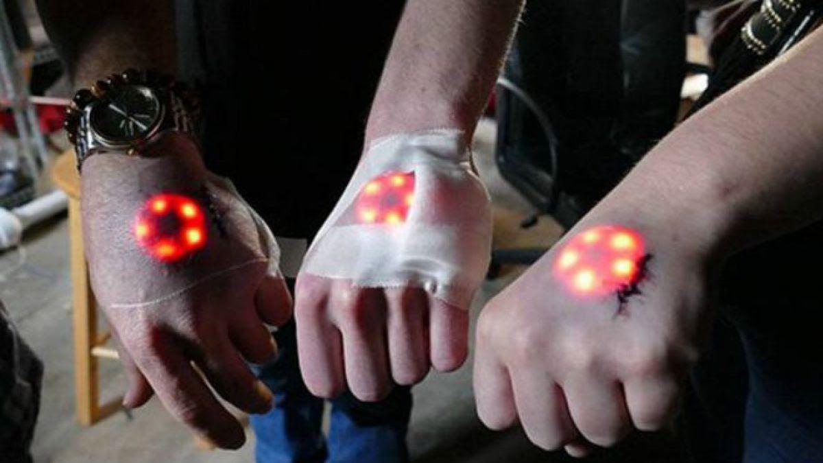 Los Biohackers Que Se Hacen Tatuajes Luminosos Te Harías Uno