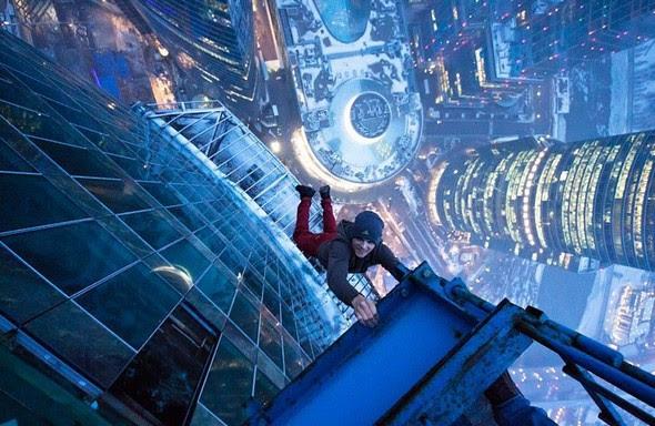 dizzying photos of ukrainian daredevil hanging from tall buildings 01 in Dizzying Photos of Ukrainian Daredevil Hanging from Tall Buildings