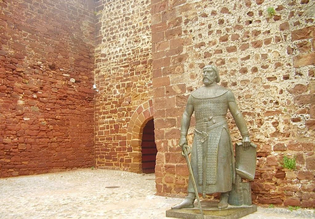 Estátua de D. Sancho I em Silves