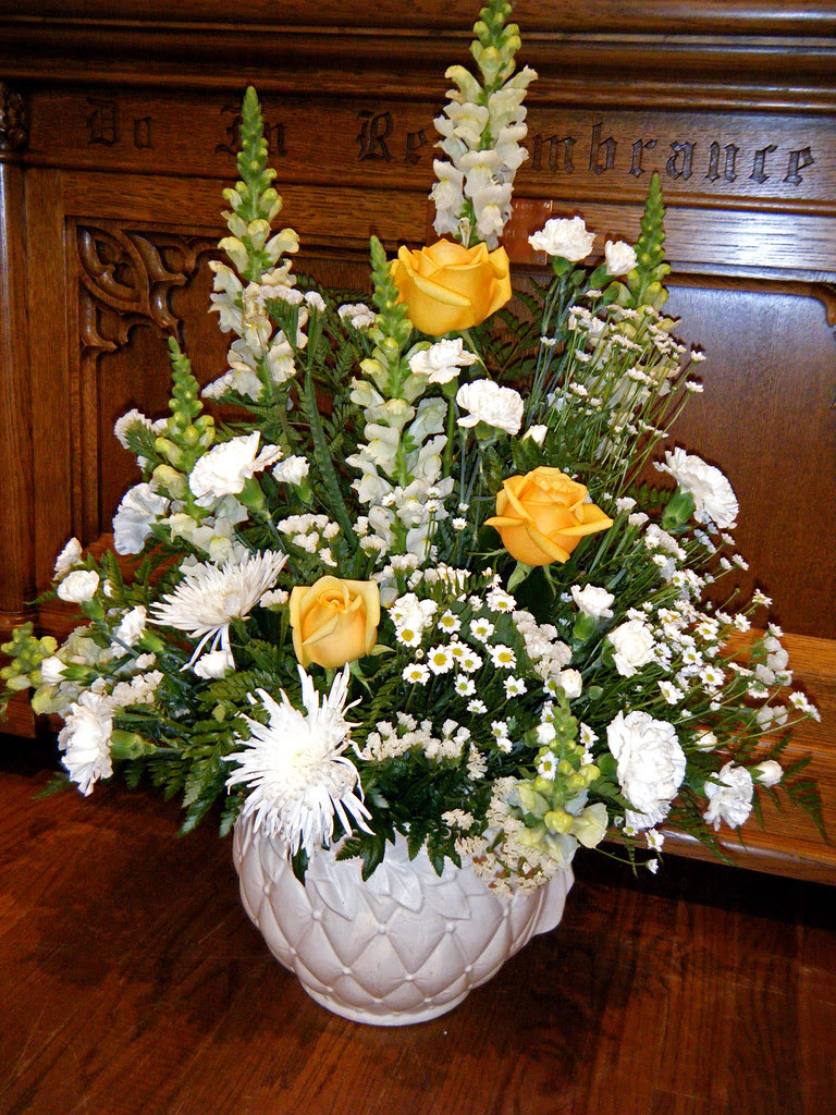 Fresh Flower Arrangement Images For Church Top Collection Of Different Types Of Flowers In The Images Hd