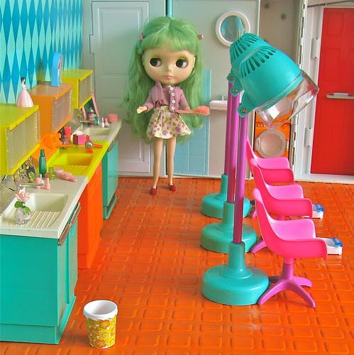 Welcome Girls to Retro´s Beauty Salon! by Retro Mama69