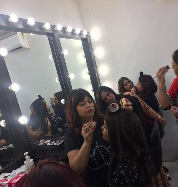 Makeup Artist Salary Per Month