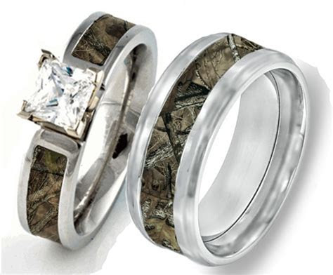 His and Hers Couples Camouflage Wedding Rings   Matching