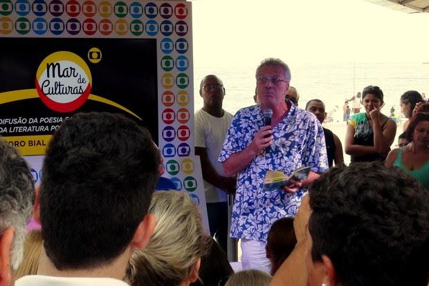 Pedro Bial no evento Mar de Culturas, em Copacabana, no Rio (Foto: Léo Martinez/EGO)