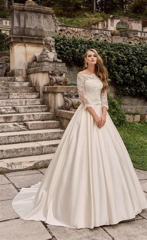 Princess 2016 Wedding Dresses With Bolero Lace Bridal Ball